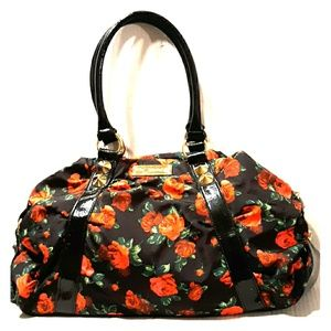 Amazing BETSEY JOHNSON Red Rose Stud Duffle Tote